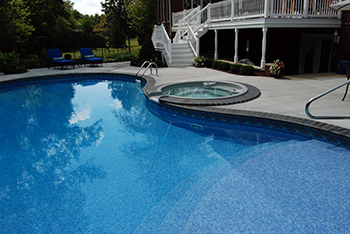 Swimming Pool, Spillover Spa